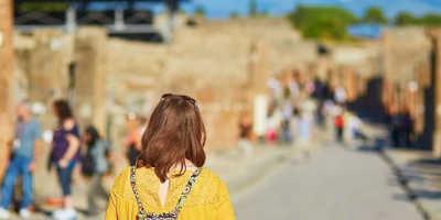 2 Day Pompeii, Sorrento & Capri Tour from €389