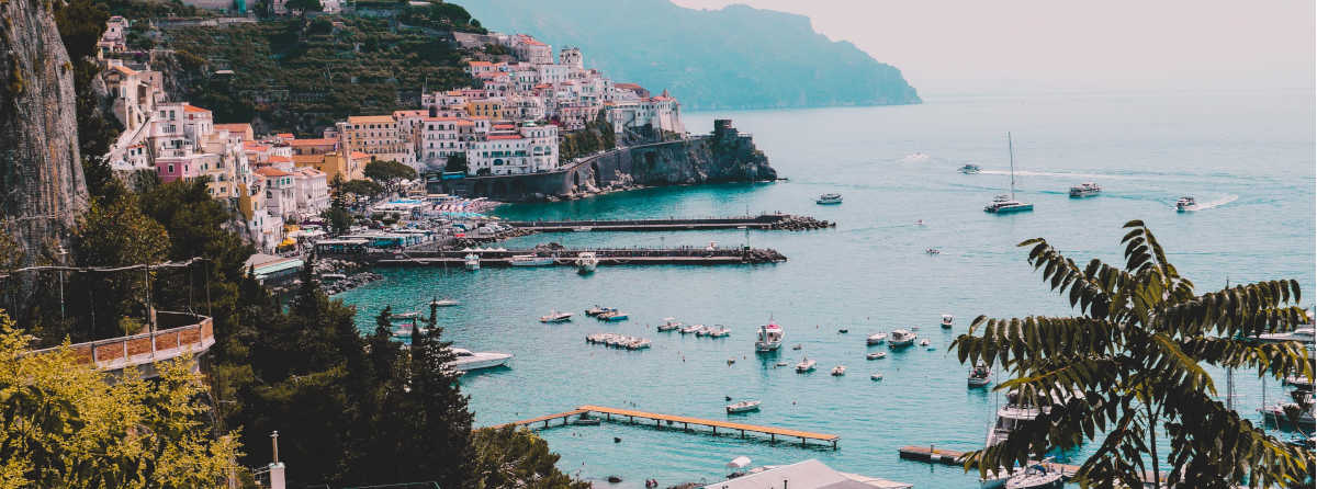 What is the best time to visit the Amalfi Coast?